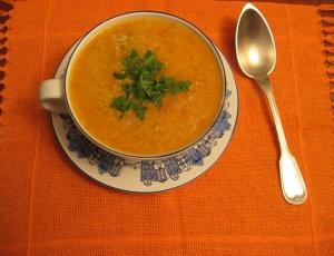 Alimentos como cenoura e abóbora, de cor laranja, são ricos em antioxidante