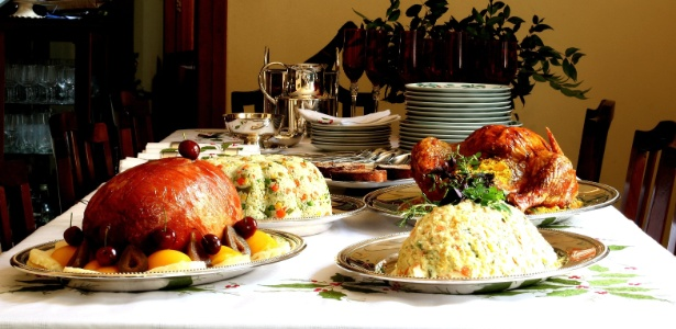 Além da fome, a quantidade também está ligada à variedade de pratos dispostos na mesa